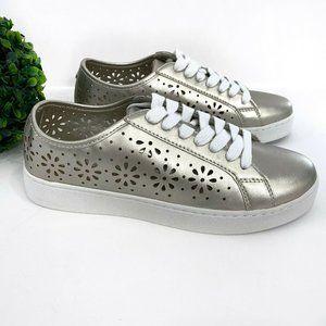 NEW Isaac Mizrahi SOHO Lace-Up Sneaker